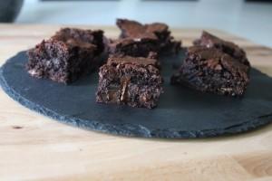 Fudgy og Chewy Brownies - Opskrift På Lækker Brownie