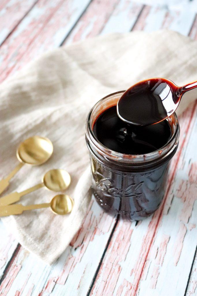 Hjemmelavet Fudge Chokoladesauce