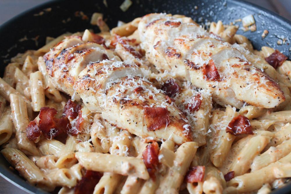 Pasta I Soltørret Tomatsauce