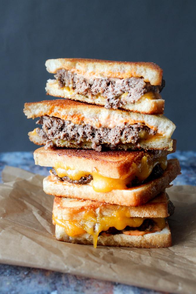 Patty Melts – Amerikanst Toast Med Bøf, Sauce og Ost
