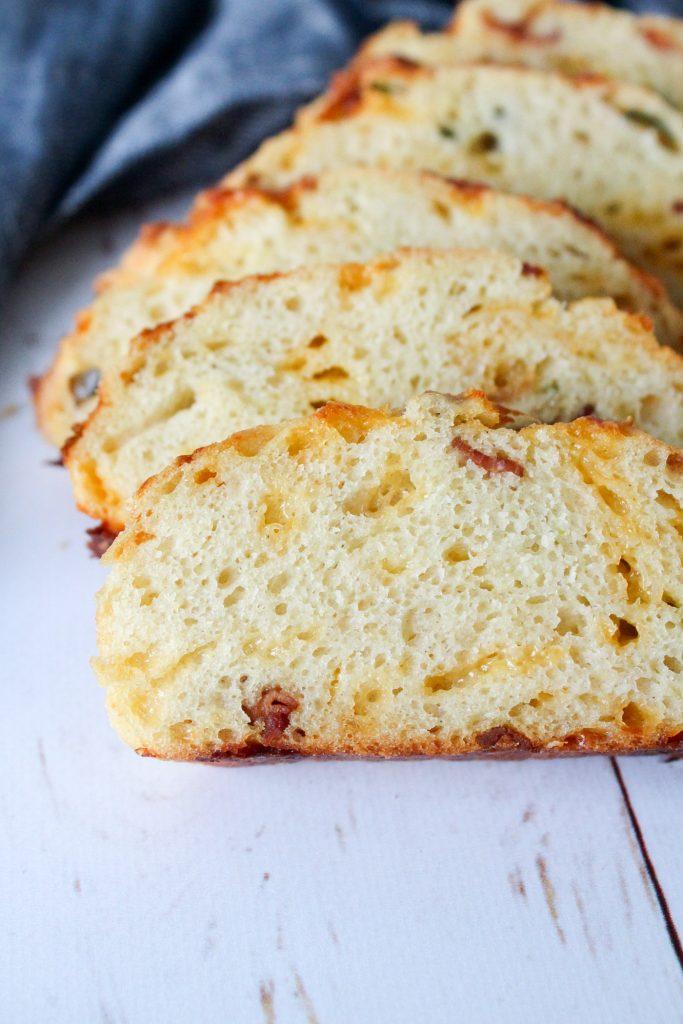 Brød Med Ost Og Bacon