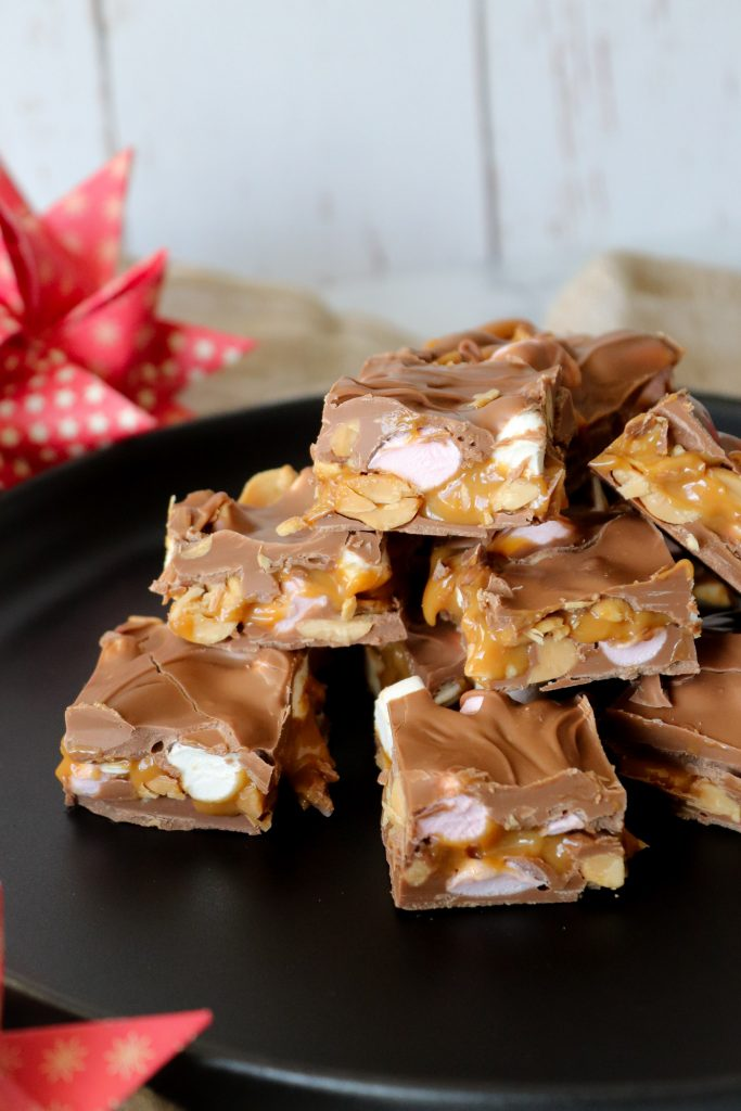 Chokolade Med Peanuts, Karamel Og Skumfiduser