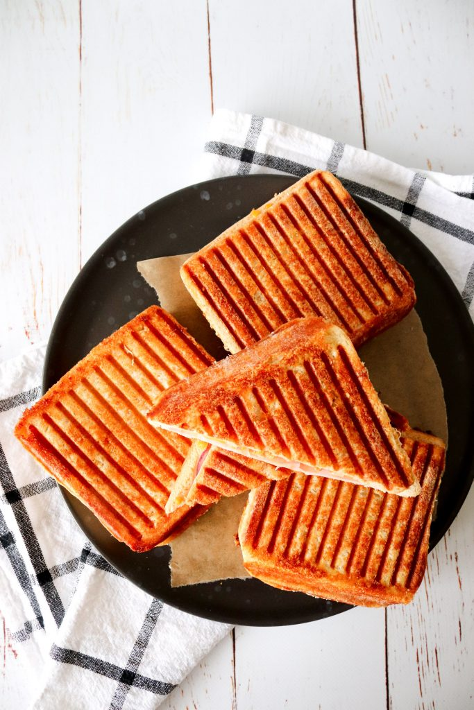 Parmesan Toast Med Skinke Og Ost