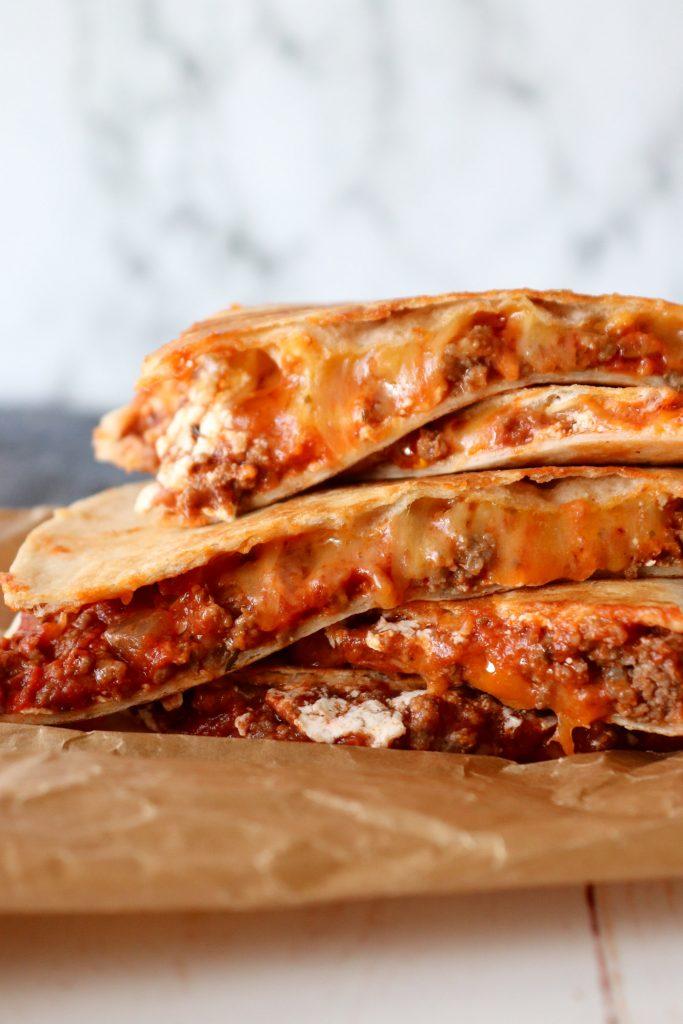Quesadillas Med Kødsauce - Tortillas Med Kødsauce Og Ost