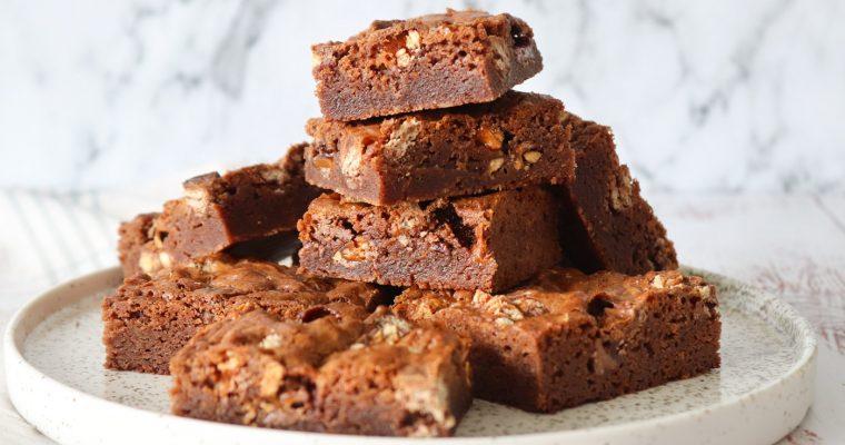 Fudgy Blondies/Brownies Med Mars, Snickers, Twix Og Lionbar
