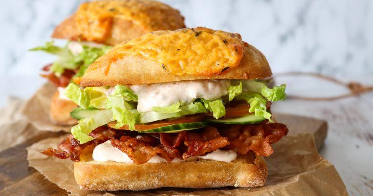 Den Lækreste Baconsandwich – Hjemmelavet Sandwich