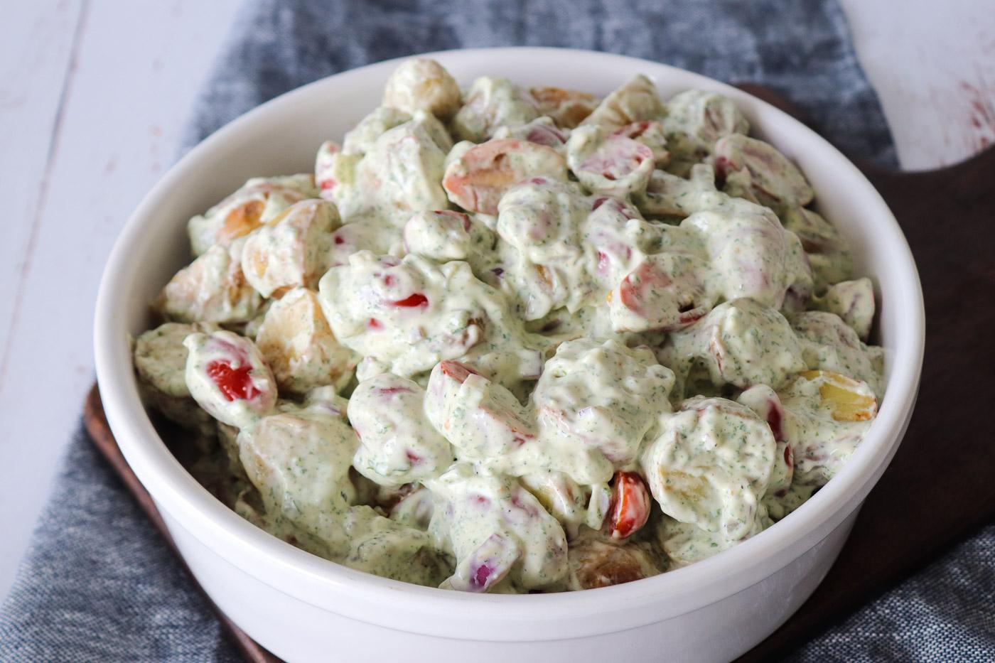 Kartoffelsalat Med Fetacreme Og Tomater