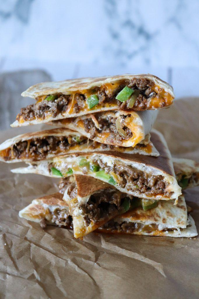 Taco Quesadillas Med Krydret Oksekød Og Cheddar