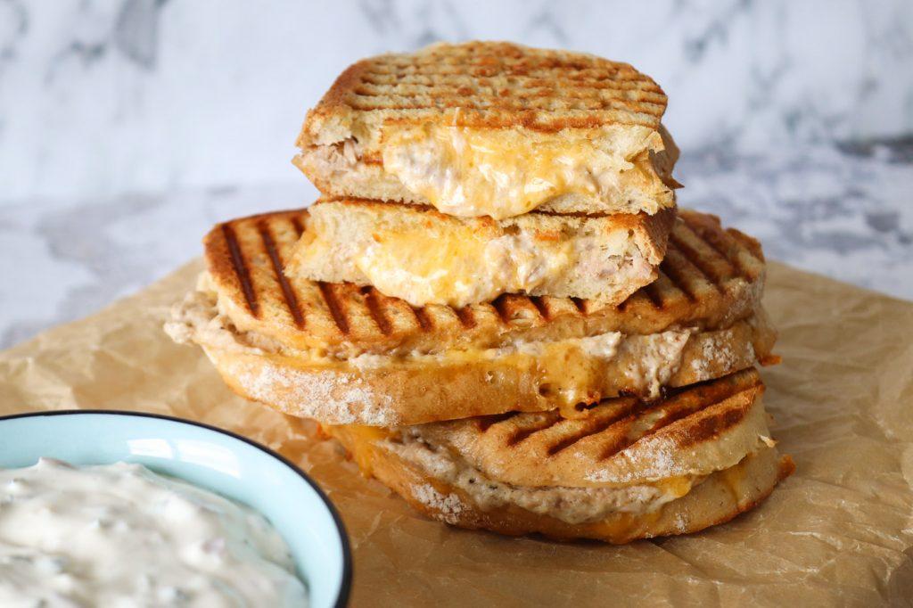 Tuna Melts - Toast Med Tunmousse Og Ost
