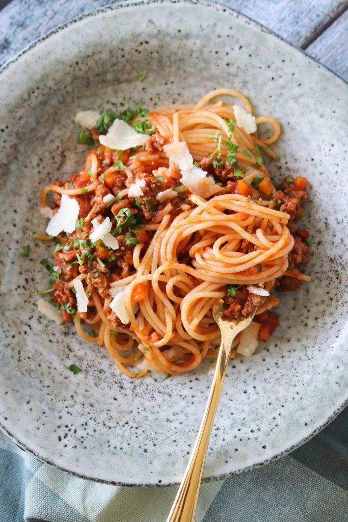 Skøn Spaghetti Bolognese Med Røget Bacon - Nem Aftensmad
