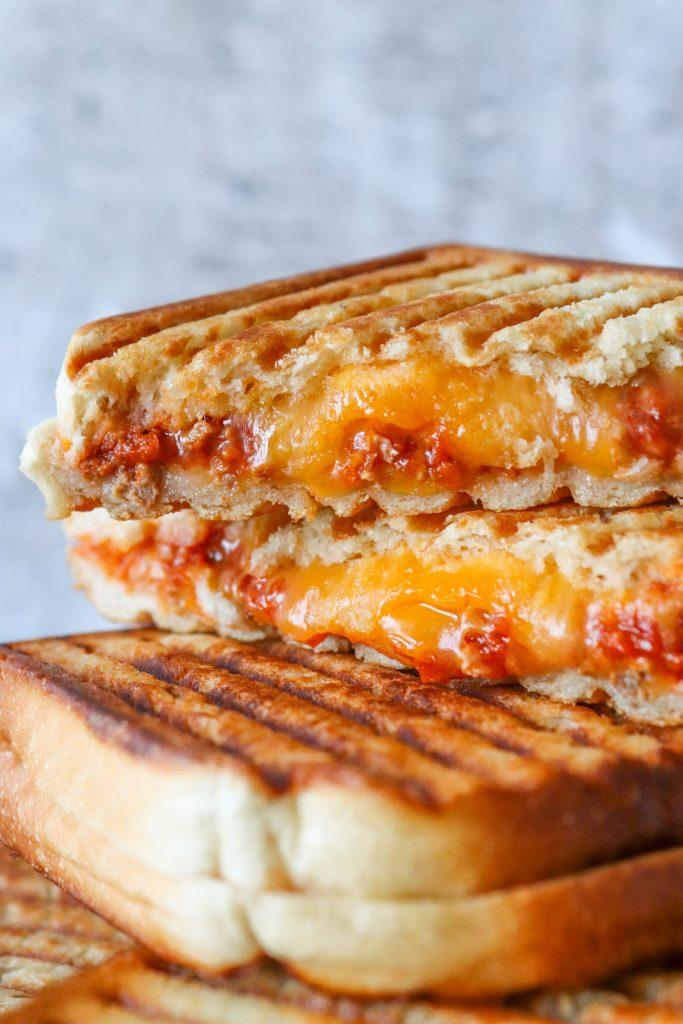 Sloppy Joe Toast - Toast Med Kødsauce Og Cheddar - Opskrift På Toast