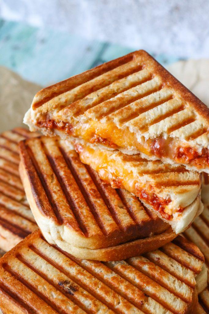 Sloppy Joe Toast - Toast Med Kødsauce Og Cheddar - Opskrift På ToastSloppy Joe Toast - Toast Med Kødsauce Og Cheddar - Opskrift På Toast