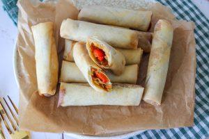Hjemmelavet Sprøde Forårsruller Med Grøntsager Og Peanut Butter