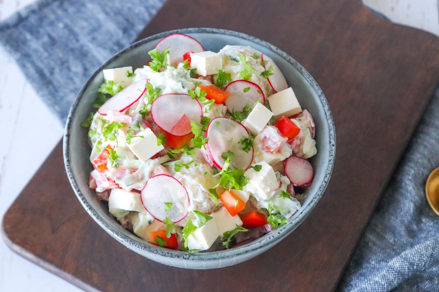 Frisk Og Lækker Kartoffelsalat Med Tzatziki Og Feta