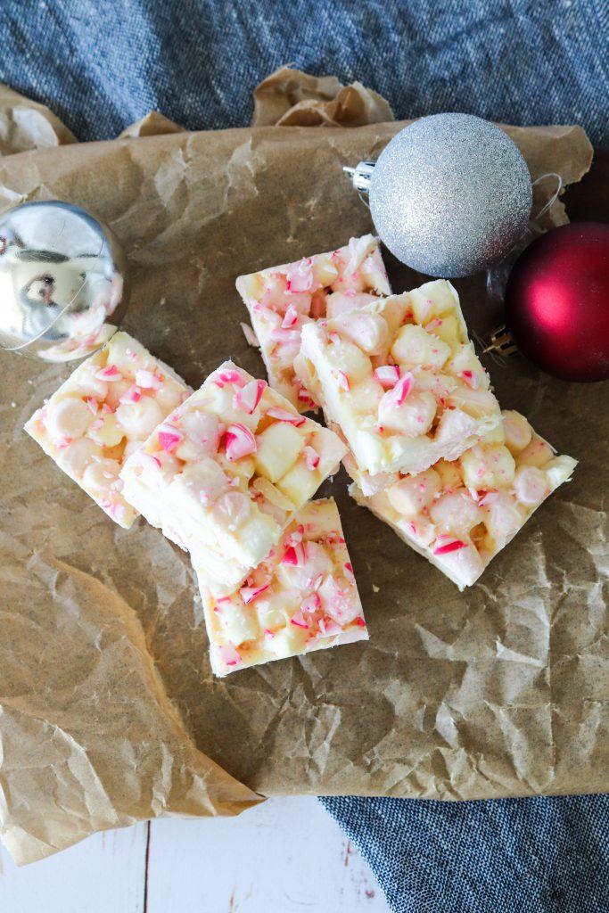 Chokoladebrud Med Skumfiduser Og Candy Cane - Julesnack