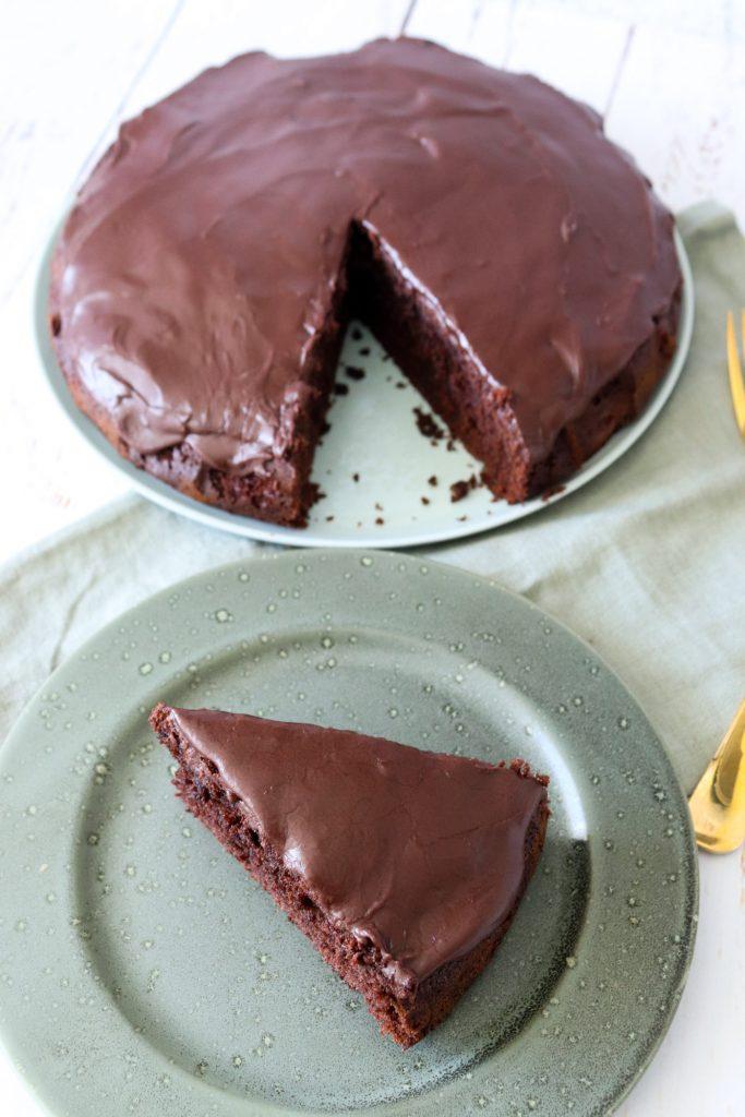 Lækker Og Simpel Chokoladekage Med Chokoladeglasur