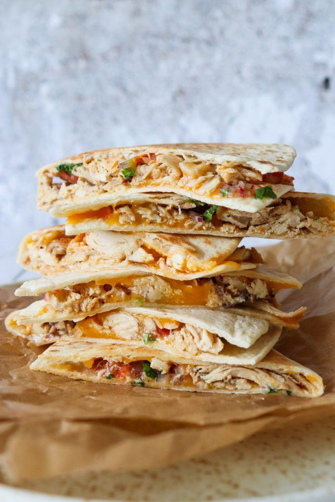 Quesadillas Med Pulled Kylling, Frisk Salsa Og Cheddar