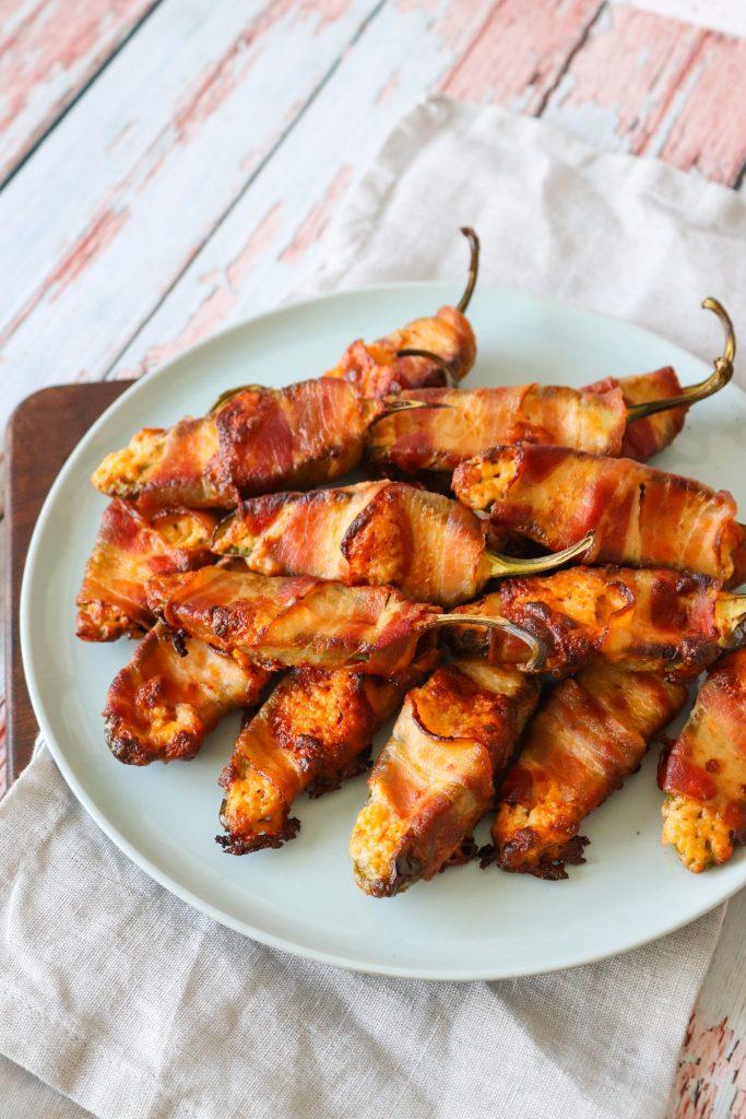 Bagte Jalapeño Poppers - Jalapeños Fyldt Med Ost Og Svøbt I Bacon