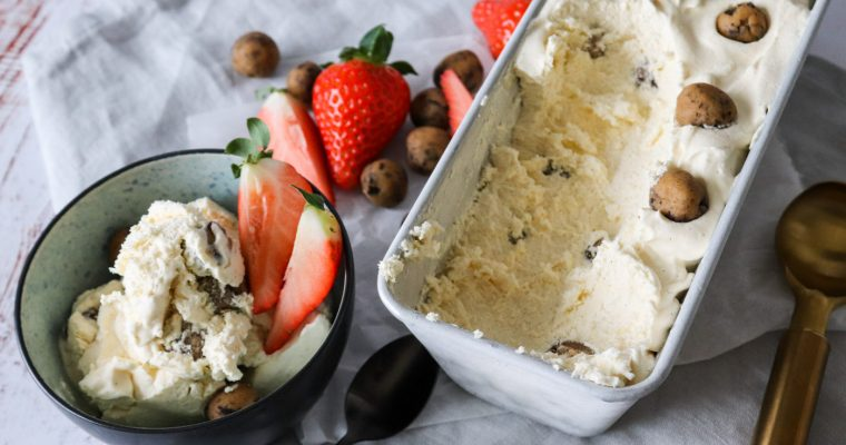 Cookiedough Is Uden Ismaskine – Vaniljeis Med Cookiedough