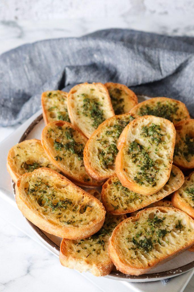 Sprøde Brød Med Urter - Lækker Snack Til Dip Og Tapasbordet