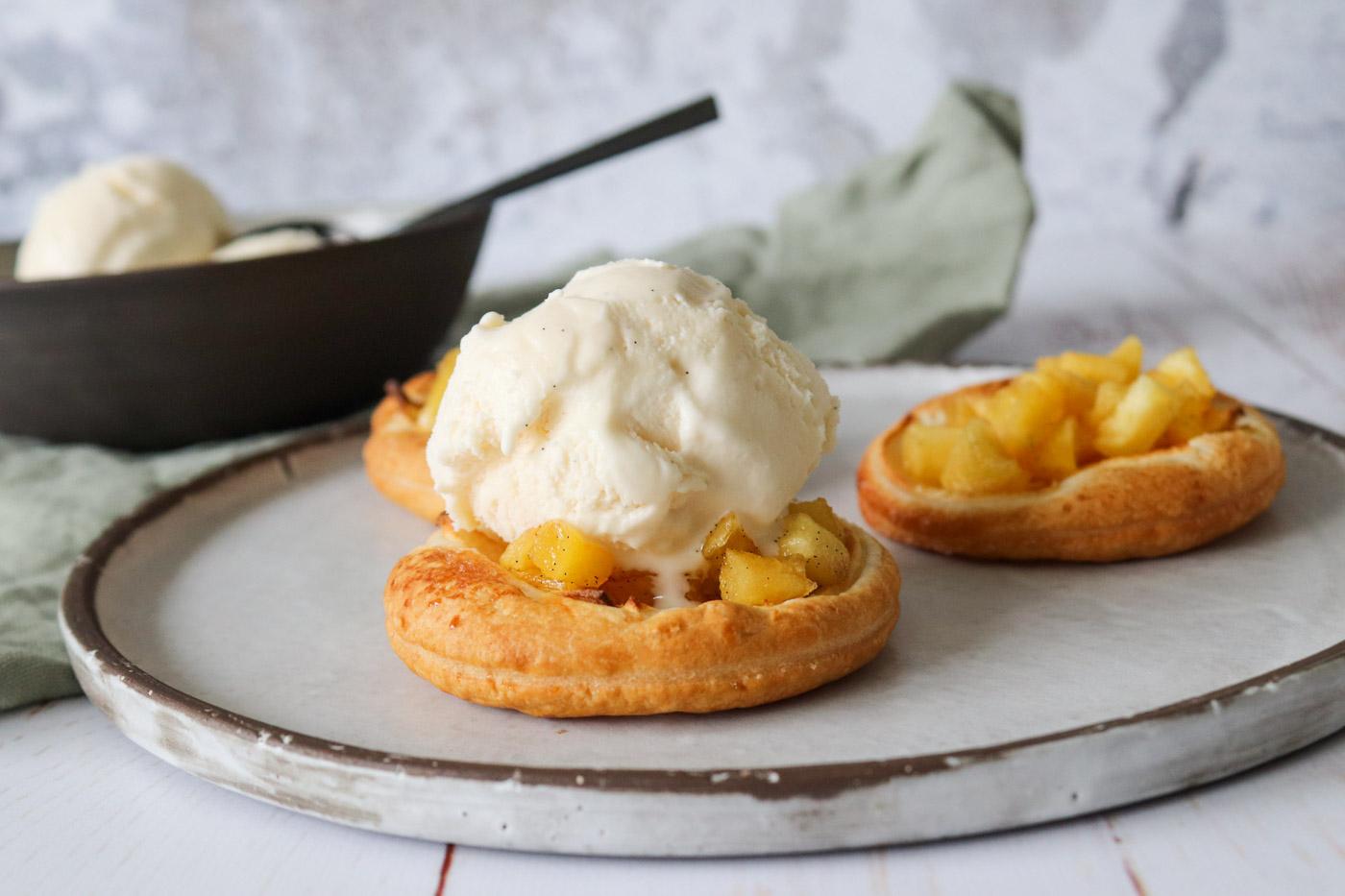 Sprød Æbletærte Med Æbler, Butterdej Og Vaniljeis – MasterChef Ret