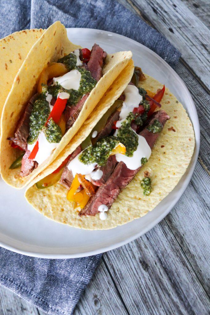 Bløde Tacos Med Flanksteak - Tacos Med Oksekød Og Pesto