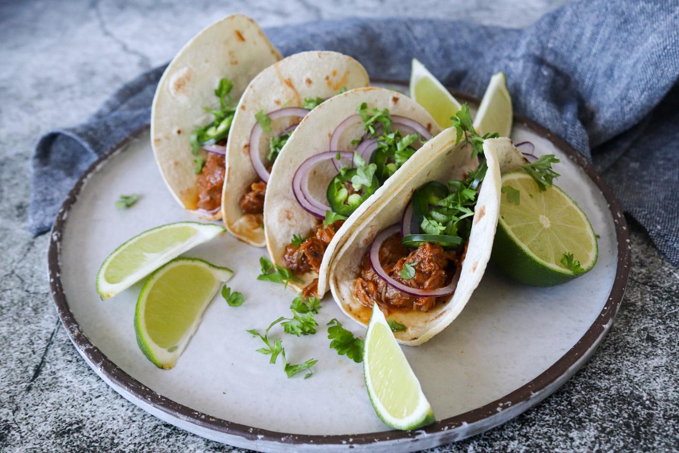 Braiserede Svinekæber – Bløde Tacos Med Svinekæber