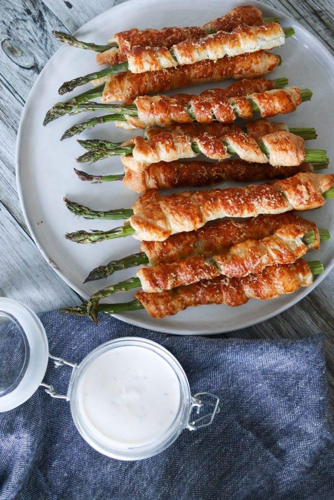 Aspargesstænger - Sprøde Asparges Med Butterdej Og Parmesan