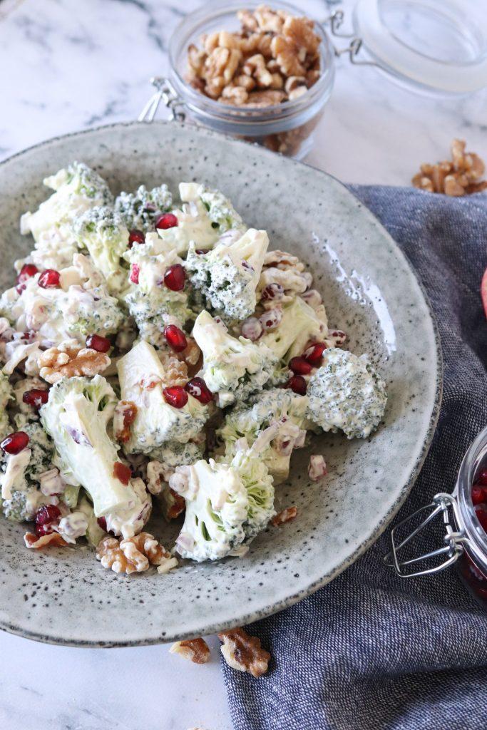 Hjemmelavet Broccolisalat - Opskrift På Hjemmelavet Broccolisalat