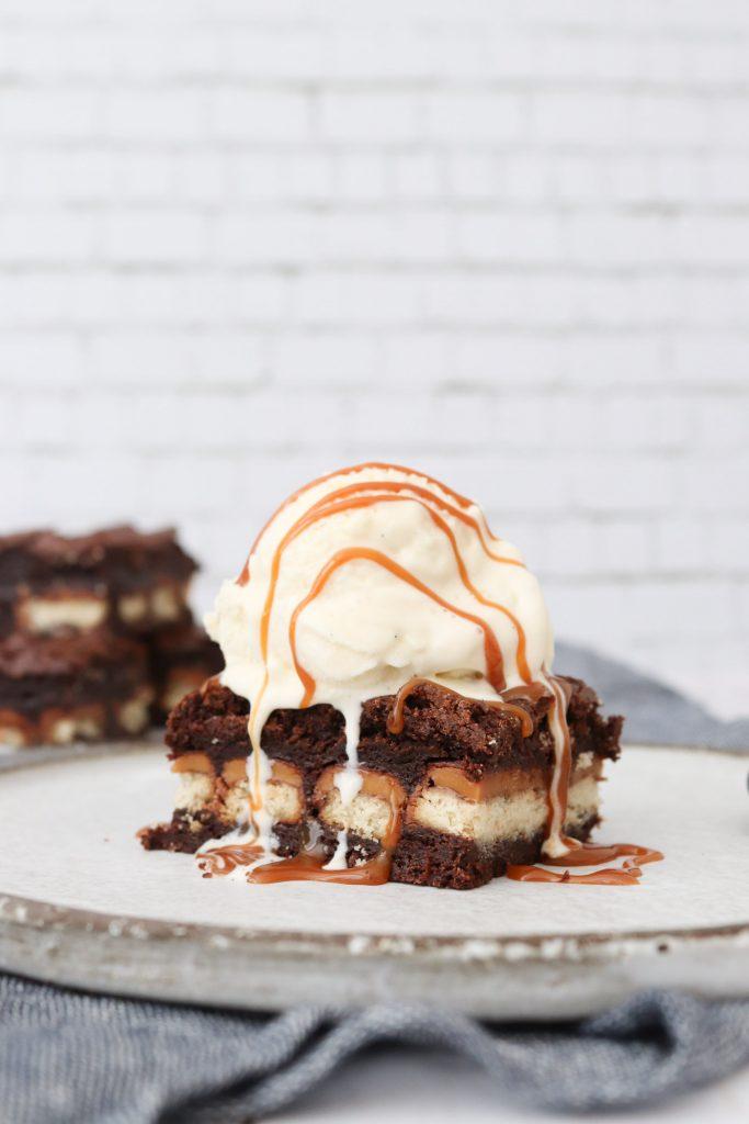 Fudgy Brownie Med Twix - Opskrift På Den Bedste Brownie