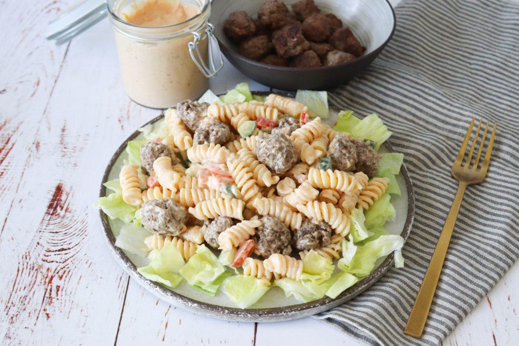 Burger Pastasalat - Pastasalat Med Mini Bøffer Og Burgerdressing