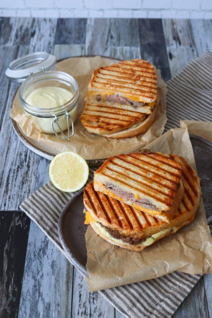 Toast Med Oksecuvette Og Bearnaisemayonnaise