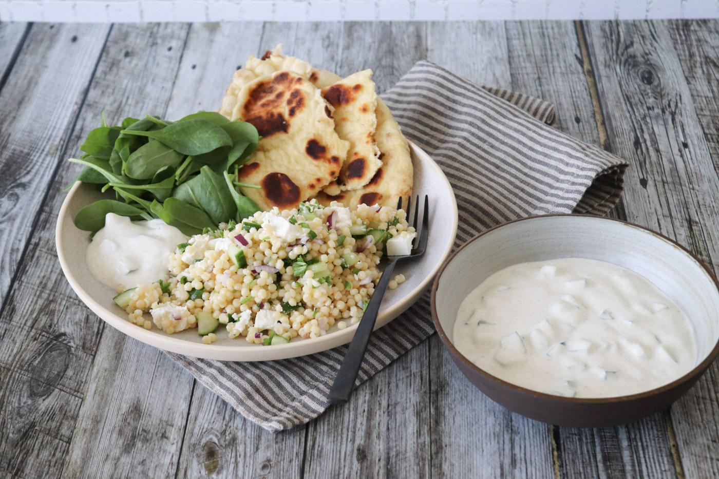 Lækker Pastasalat – Anderledes Pastasalat Med Raita Og Naan