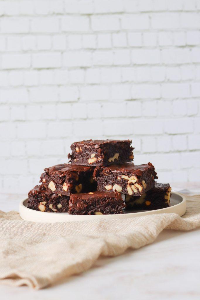 Den Bedste Brownie Med Nødder - Opskrift På Brownie