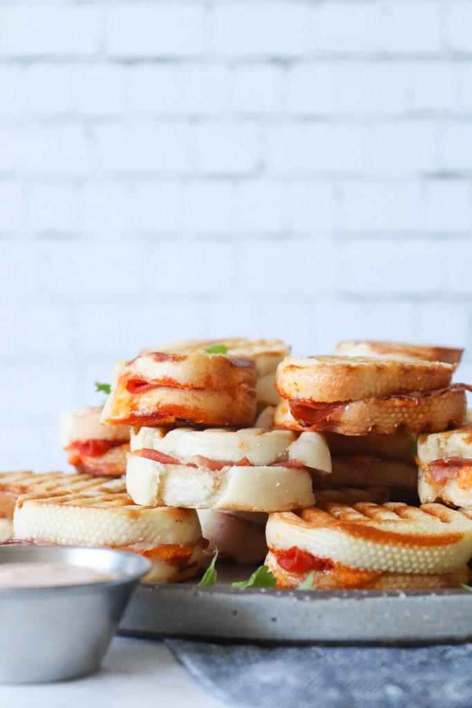 Mini Toast Med Serrano Og Chorizo