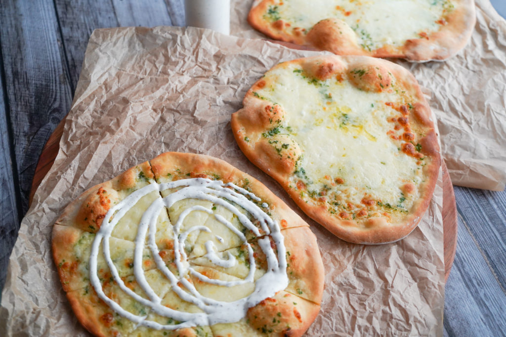 Hvidløgsbrød Pizza