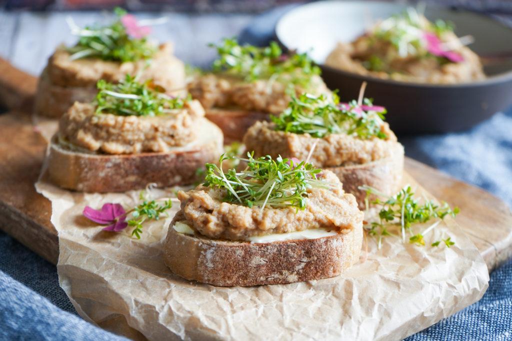 Knoldsellerimos - Små Brød Med Knoldselleri Og Karse