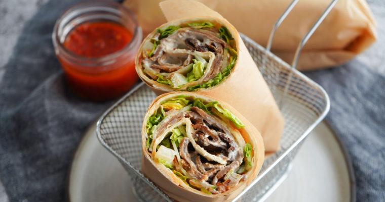 Kebabrulle Med Kebabdressing Og Chiliolie