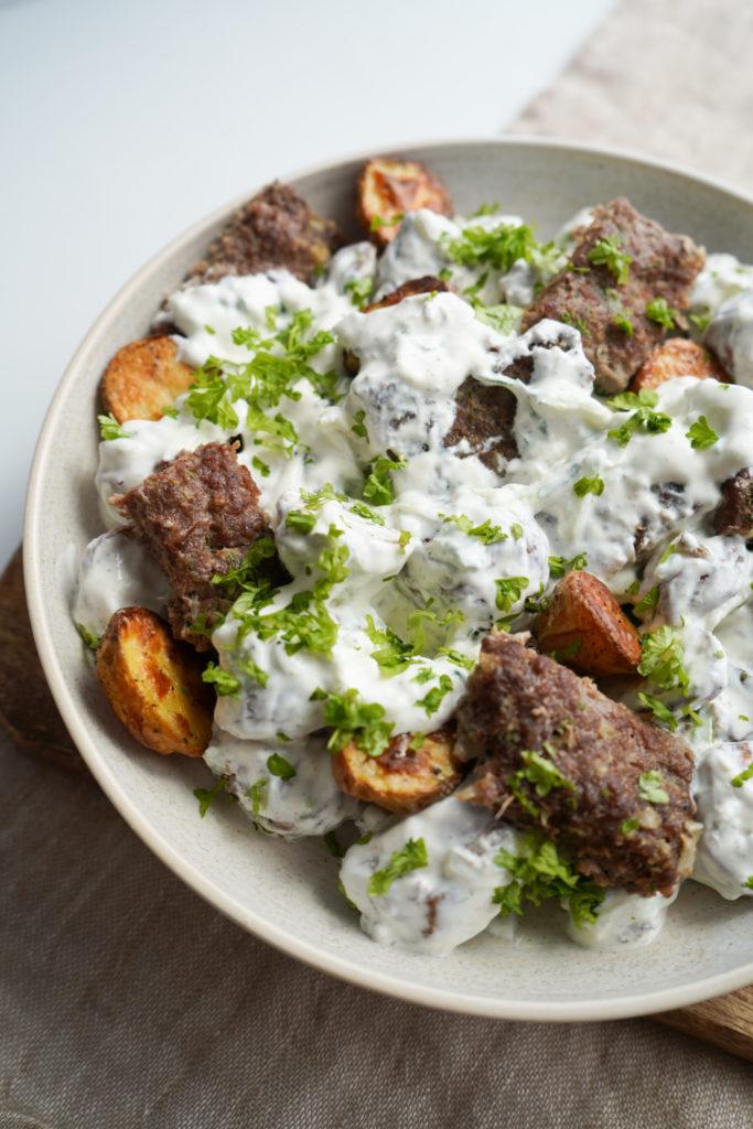 Kartoffelsalat Med Kebab Og Tzatziki