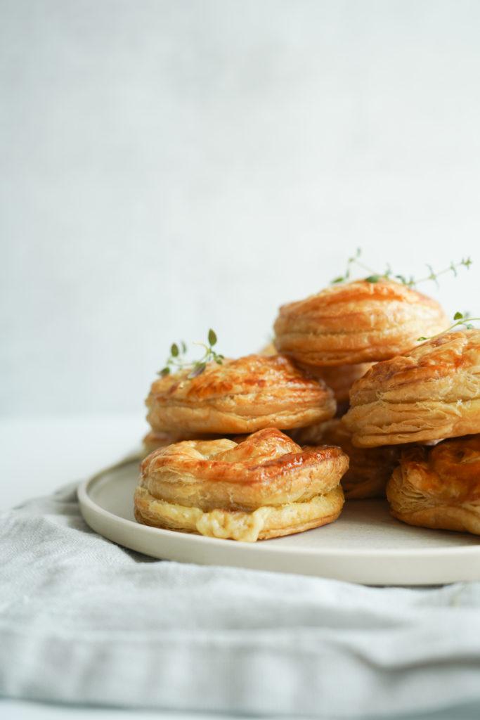 Butterdejshapsere Med Havarti, Bacon Og Timian