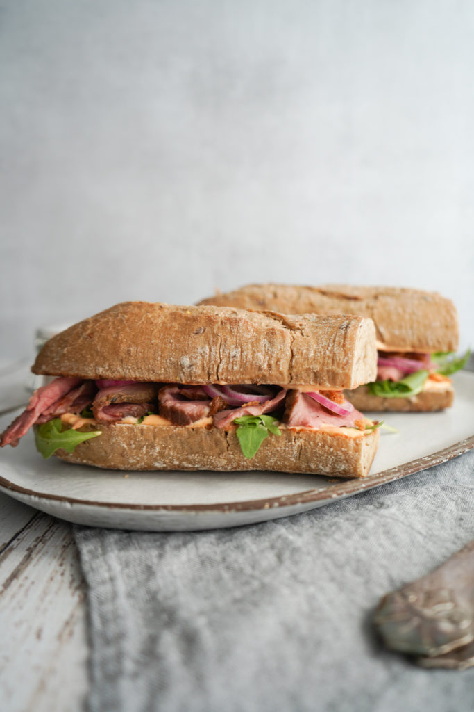 Sandwich Med Kalveculotte Og Chilimayo