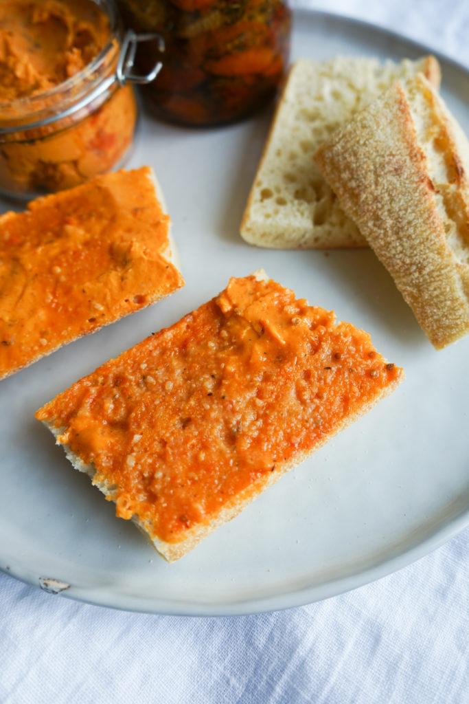 Tomatsmør Med Parmesan