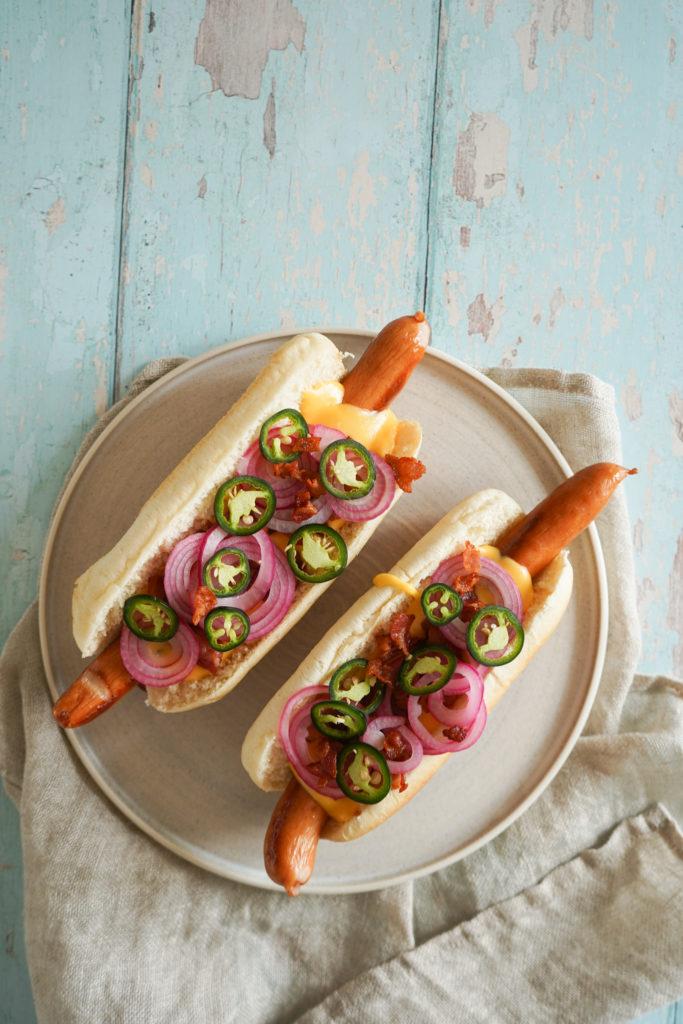 Hotdog Med Ostesauce Og Bacon